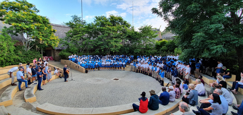 Students at sqaure